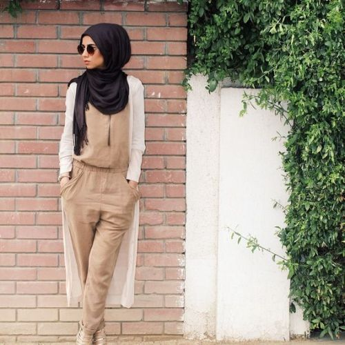 beige jumpsuit with white cardigan- Hijab lookbook ideas http://www.justtrendygirls.com/hijab-lookbook-ideas/: