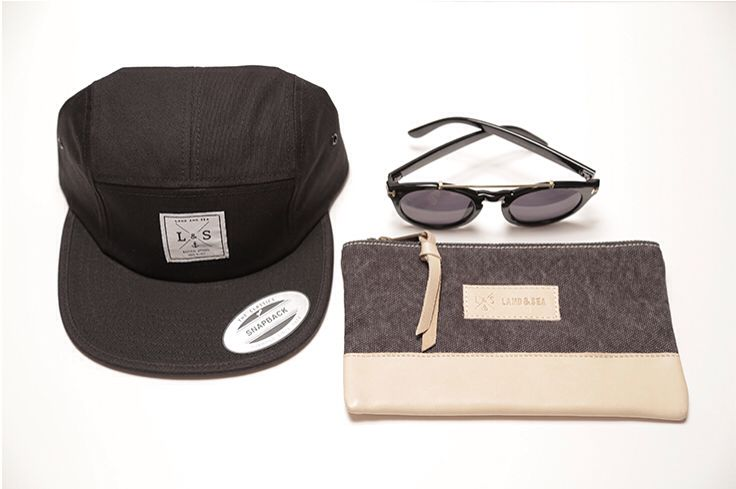 Take ou new #handmade #accessories Whit You in this #weekend for your next #lookoftheday for #man and #women for pic - #pochette # sunglasses #monocrhome #cap  www.landandsea.eu/shop