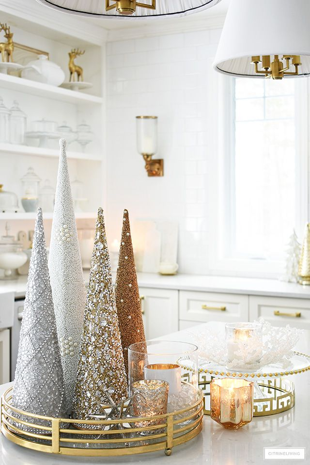 Elegant Christmas Kitchen Decorating Citrineliving Christmas Kitchen Decor Chic Christmas Decor Christmas Decor Inspiration