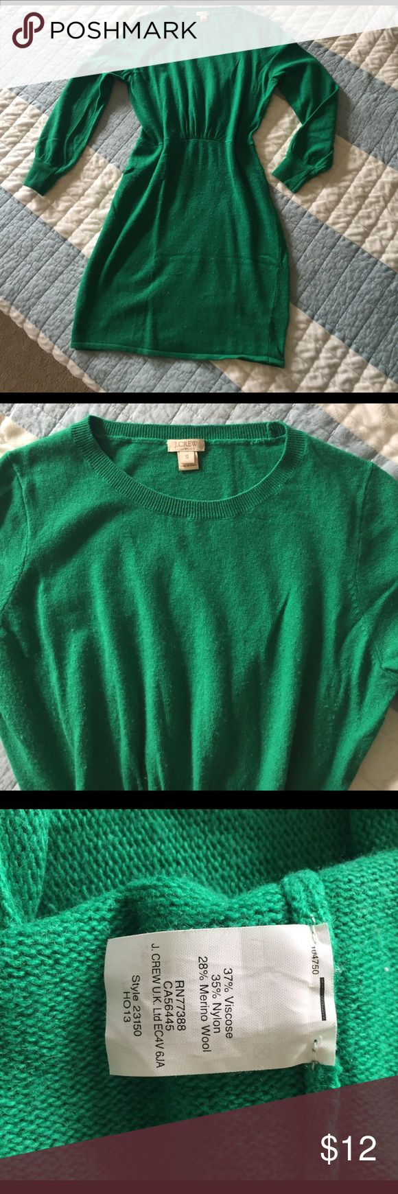 J. Crew (factory) Green Sweater Dress 👗 Great sweater dress in a beautiful Kelly green. Has some cinching at natural waist to give a flattering shape. Some slight pilling from wear, but still looks beautiful! J. Crew Dresses Long Sleeve
