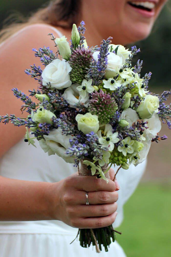 Soll der Brautstrauß Weiß-Blau sein? Diese und andere tolle Farbkombinationen findet ihr bei uns... | über 180 BEISPIELBILDER