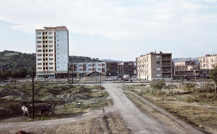 Kilián-észak délről, a Kandó Kálmán utcából nézve. A magas ház a Kiss tábornok utca - Dorottya utca sarkán áll.