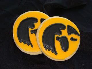 Door County Custom Cakes and Cookies: IOWA HAWKEYE COOKIES