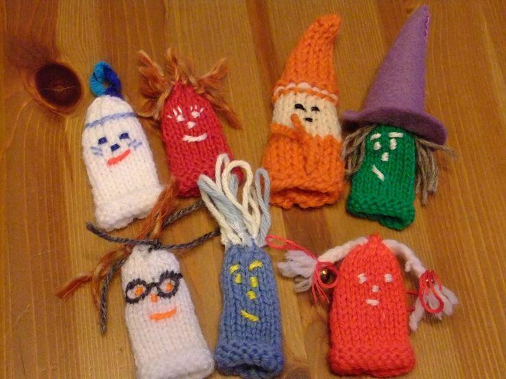 marionnettes à doigt pour les restant de laine!