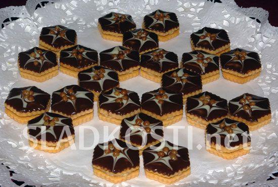 Karamelové dortíčky s polevou