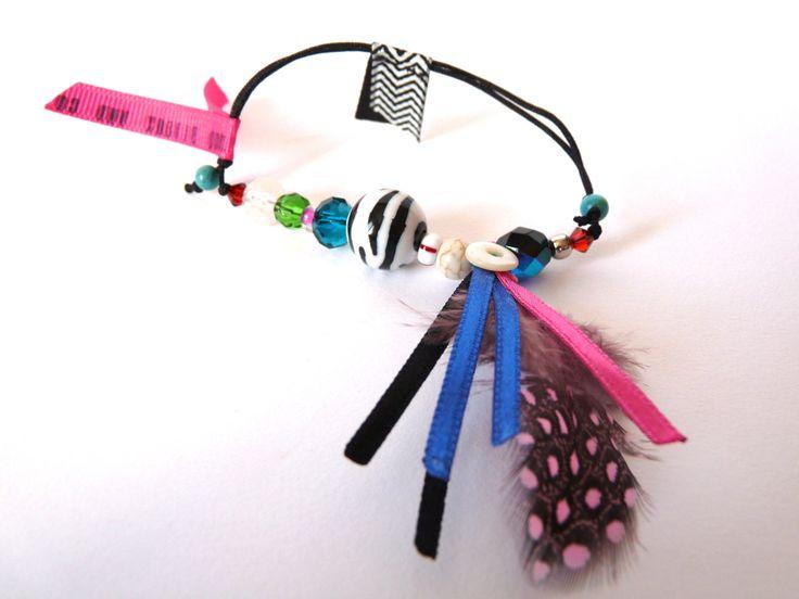 Bracelet zèbre, plume à pois et ruban chevron : Bracelet par 1000bijouxandco