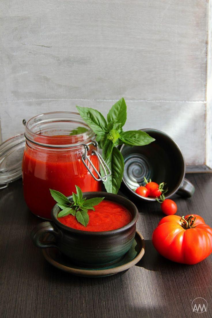 Letos už fakt nevím, co mám s tou nadúrodou rajčat dělat. Jak bylo léto celé krásně slunečné, mají skvělou chuť, barvu i vůni. Rajčata se...