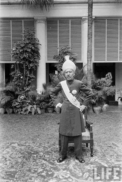 Last Nizam Of Hyderabad H.E.H Mir Osman Ali Khan Bahadur At His King Kothi Palace In 1948.....