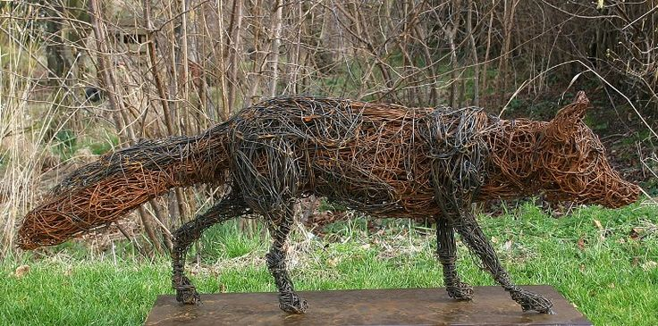 Fox wire sculpture by Rupert Till. this is cool, but I think my dogs will bark at it all night long