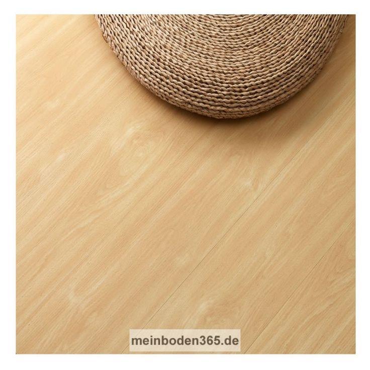 Das Vinyl Leverkusen in dem Dekor Buche ist ein LVT Designboden mit einem 3-Schicht Aufbau und PVC Träger. Der Vinylboden hat eine Stärke von 5 mm, die Oberfläche ist eine Porenstruktur und besitzt eine Nutzschicht von 0,55 mm. Ein spezielles Klicksystem (LOC) verbindet die Dielen, welche zudem eine umlaufende Fase besitzen. Die Verlegung des Bodens erfolgt schwimmend auf einem festen Untergrund. Der Boden ist auch zu 100% recyclebar.