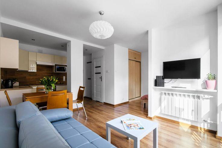 Sprawdź tę niesamowitą ofertę na Airbnb: Local studio in the city center - Apartamenty do wynajęcia w: Warszawa