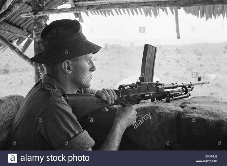 Download this stock image: British troops in Borneo. 1964. - ekxnm2 from Alamy's library of millions of high resolution stock photos, illustrations and vectors.