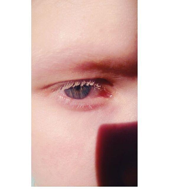 Таня Румянцева, Tanya Rumyantseva, альбинос, девушка альбинос, белые брови, белые ресницы, альбинизм, глаза, глаза альбиноса, белые волосы, натуральная блондинка, albino, albino girl, white eyebrows, white eyelashes, albinism, eyes, albino eyes, white hair, natural blonde, violet eye, violet eyes, photophobia