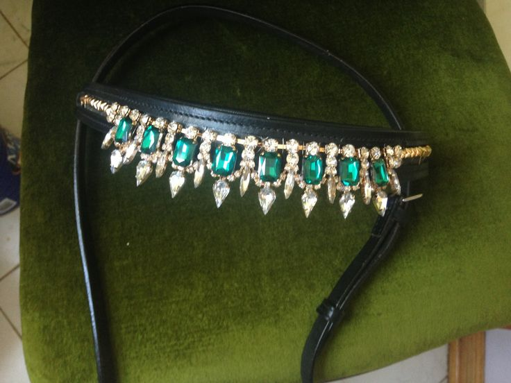Oko Konia Jeweled Browband! My horse would look great in this!