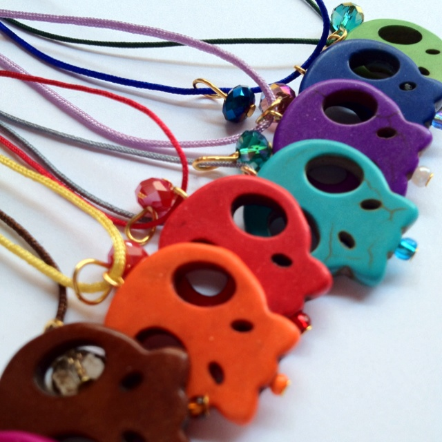 Handmade skull necklaces! More at www.ateliaaa.com