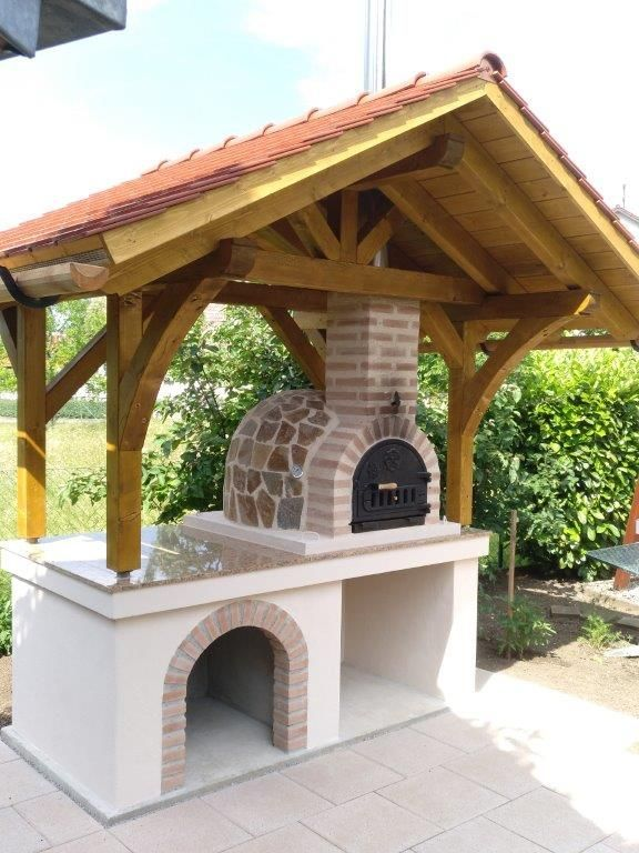 Wooden Oven Made Of Natural Stone With A Roof A Beautiful Place In The Garden To Stay And Delicious Terrassen Layout Hintergarten Holzbackofen Garten