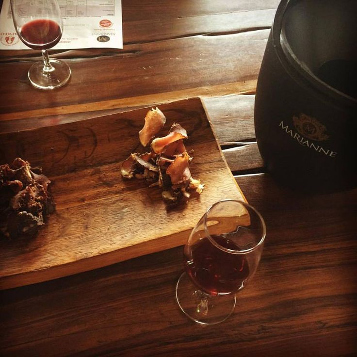 At the Marianne Wine Estate, the wine go with Biltong to let you discover two South African specialities.  The Biltong is a delicious typical Afrikaan recipe made of dried, cured meat. It exists with beef, springbok, kudu,... which are the three taste you will try.  Each meat is associate with one wine espacially to highlight their flavours.  It is a delightful and very special experience!