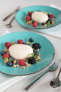 Recept: Witte chocolademousse met rood fruit / Recipe: White chocolate mousse stone with red fruits