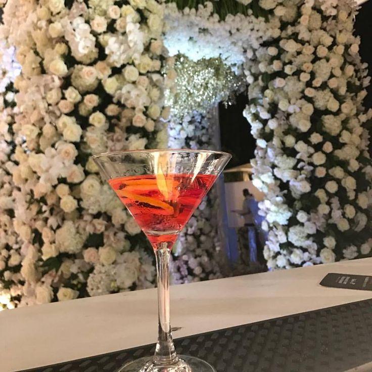 Karen Tran, Karen Martini, floreal cocktail, wedding decor, roses