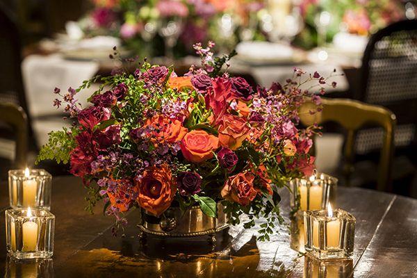 Flávia Fonseca Moraes é quem assina esta decoração de casamento no Buffet França. O projeto está todo no nosso site, vem ver!