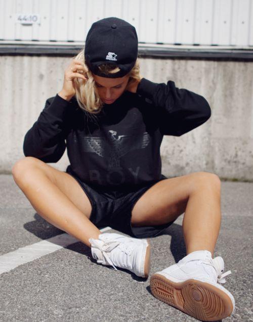 Fanny Lyckman wearing Nike Dunks #sneakers