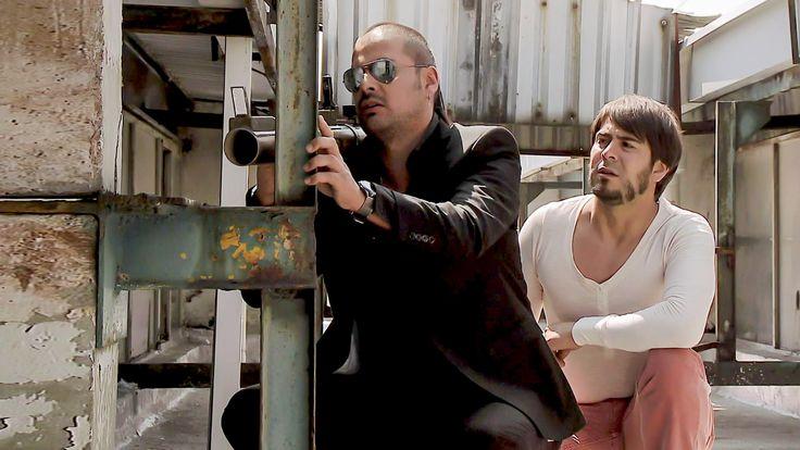 El Tijeras va a las instalaciones de Eleazar y Jaramillo, los ataca con una bazuca pero ambos se dan cuenta de esto.