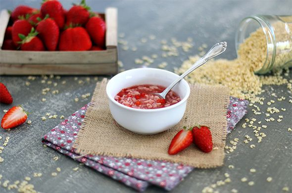 Soupe de fraises et pâtes alphabet (12 à 18 mois)
