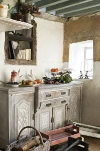 Debbie Travis: Chalk Paint creates antique look - San Jose Mercury News white Annie Sloan