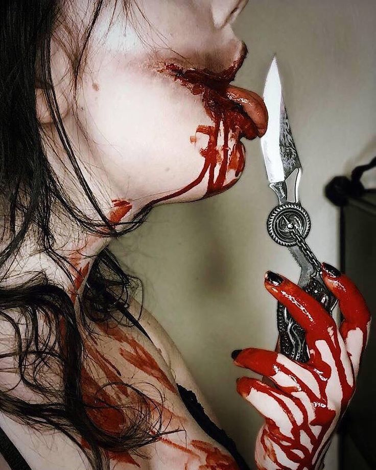 #blood #bloody #gore #horror #horrormakeup #makeup #makeupartist #specialeffects #specialeffectsmakeup #macabre #latex #photography #artist #scars #Halloween #DECLife #pennsylvania #glasgow #cosmetics #knife #knives