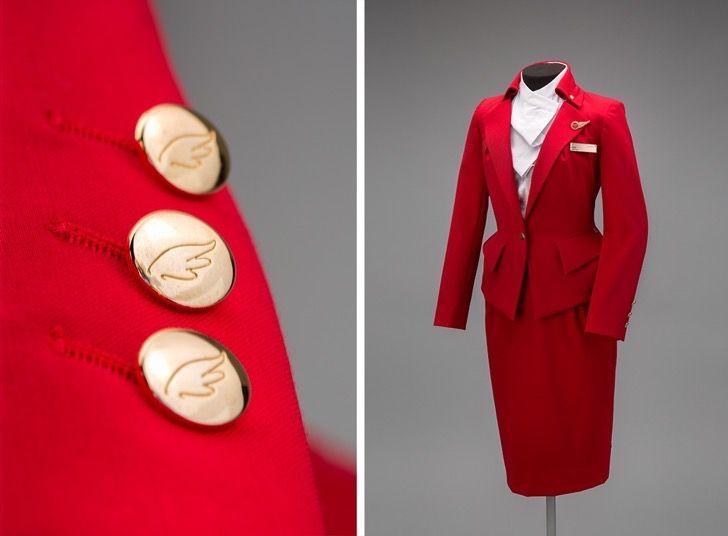 12 uniformes de azafatas que le dieron un toque de glamour a la historia de la aviación