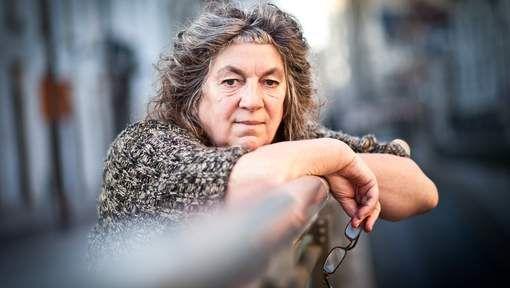 Met haar sociaal-artistieke werkplaats Tutti Fratelli, waar kunstenaars en sociaal kwetsbare personen elkaar ontmoeten en samen opvoeringen maken, wint actrice en regisseur Reinhilde Decleir de eerste Prijs van de Gelijkheid. Die werd woensdag 9 december uitgereikt op de openingsavond van het Festival van de Gelijkheid in Gent.