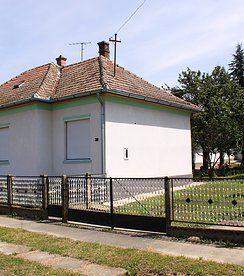 Tolles Anwesen mit vielen Optionen und  8'000 m2 Land- nur 15 Min vom Balaton - Preis CHF 38'000