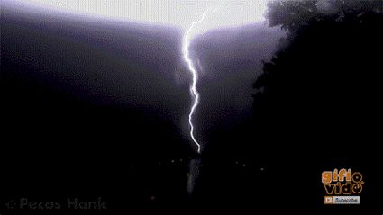 CLOSE LIGHTNING STRIKES in Slow Motion & Anvil Crawler Lightning 2000 fps