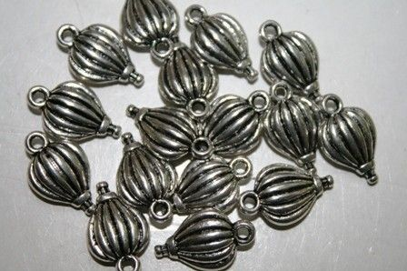 Hot Air Balloon Charms, Balloons, Ballooning, Anniversary, Blimp, Bright Silver Pewter, 10 Pieces on Etsy, $3.50