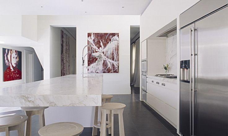 Love the cantilevered marble benchtop.     Melbourne based interior design practice Mim Design