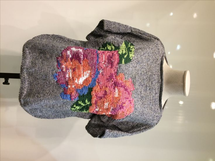 SALE. The blouson with roses. Composition: silk tweed.  Sizes: L, XL  Now price: 141 $ 158 You save $. Old price 299 $.  Worldwide shipping. #look. #lookatme #looks #looking #lookinggood #looksgood #lookme  #lookingood