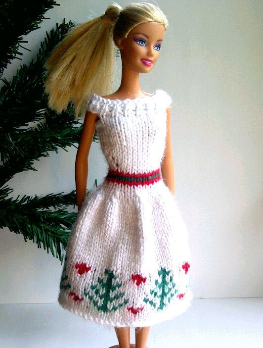 Simple Knitting Patterns For Scarves : 1000+ images about Knits for Sindy, Barbie and Ken on Pinterest Vintage kni...