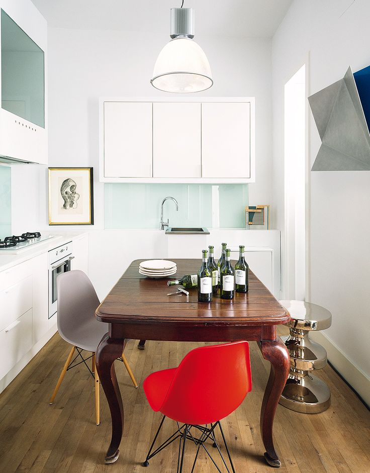 Artist David Rodríguez Caballero's kitchen in Madrid -  India Mahdavi solo, drawings by JacquesLipchitz from 1932
