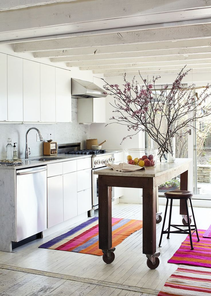 Here at Remodelista, whenwe come across adesign store we admire, we often ask if we can follow the owner home. That's because unlike the proverbial shoel