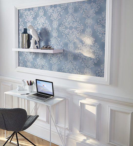 Œuvre d'art maison  Un encadrement mouluré, un papier bien choisi et voilà un tableau d'un tout nouveau genre !  http://www.castorama.fr/store/pages/idees-decoration-facile-papier-peint.html