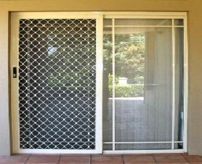 What are the features and benefits of aluminum fly screen doors? - http://www.kravelv.com/what-are-the-features-and-benefits-of-aluminum-fly-screen-doors/