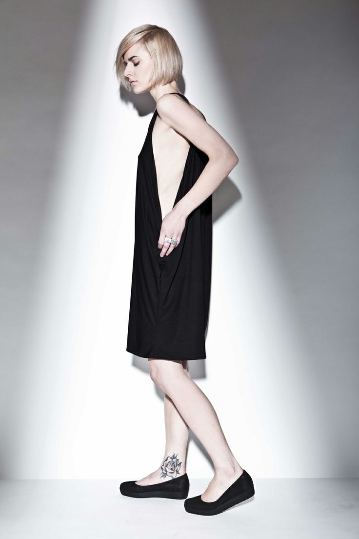 "HI-END ""V"" dress 