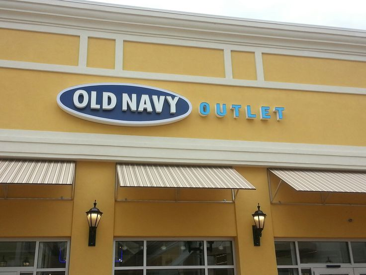Old Navy Outlet, located at The Crossings Premium Outlets®: Old Navy's mission is to offer affordable, fashionable clothing and accessories for adults, kids, baby, and Moms-to-be.