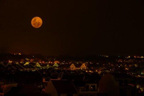 Moon Rise in Singapore by Prabaljit Sarkar