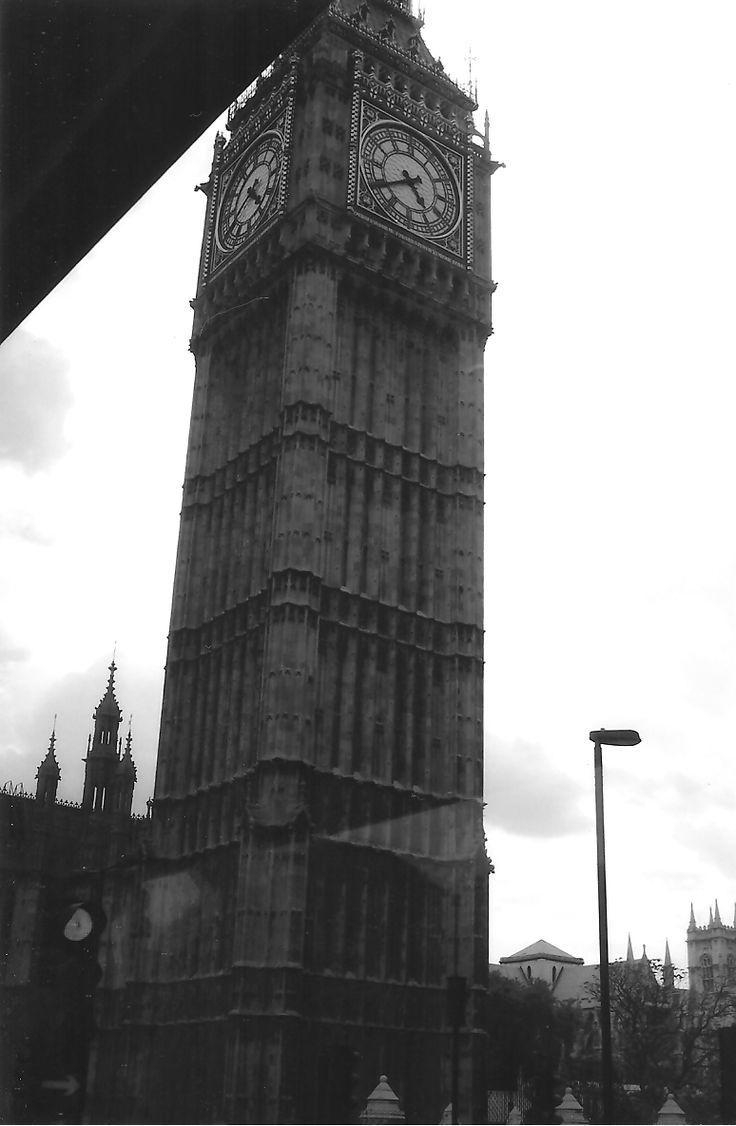 Big Ben, grayscaled