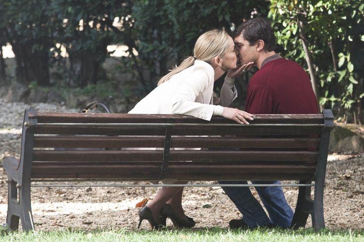 #cinema Sharon Stone, ciak al Pincio e bacio con Scamarcio