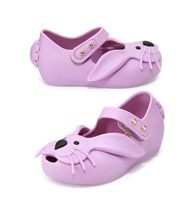 Mini Melissa shoes - jelly shoes on redsoledmomma.com
