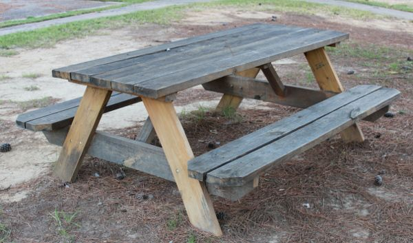 traditional picnic table