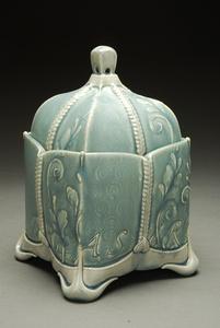 Soft/Treasure: Large box (Garter series) in Cornflower blue.