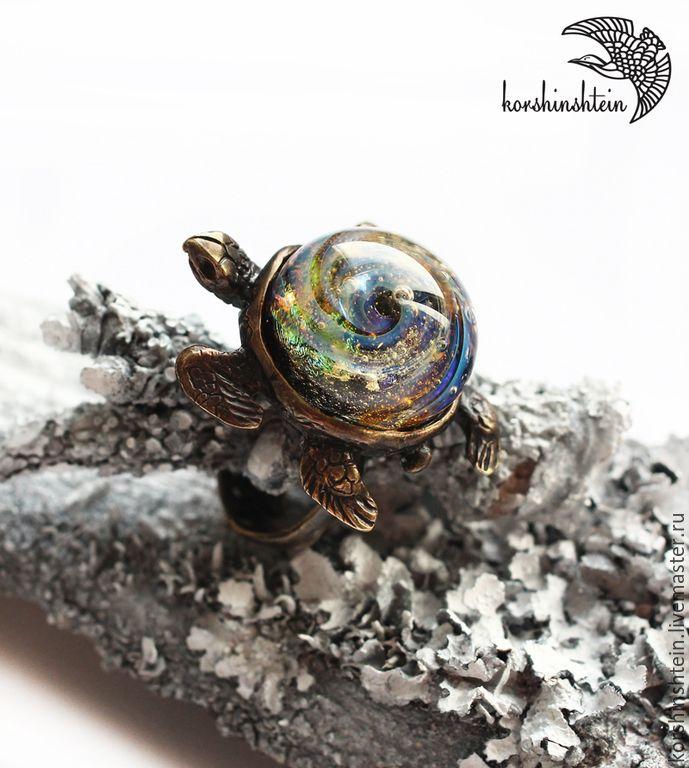 """Купить Кольцо """"Хранящая вселенную"""" из серии """"Морская черепаха"""" - авторские украшения, лампворк, стекло"""